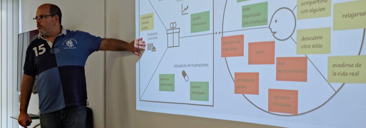 Francisco Romeo en taller de análisis de modelos de negocio